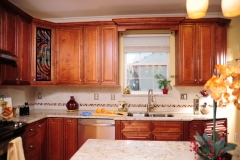 Mocha Glazed Maple Kitchen Cabinets
