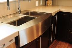 Espresso Maple Kitchen Cabinet with Farm Sink